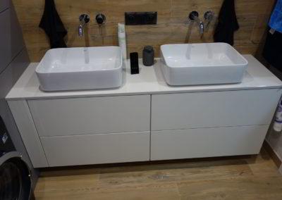 Meble łazienkowe 33