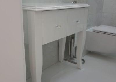 Meble łazienkowe 30